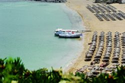 More Greece Οι top παραλίες της Μυκόνου με μια ματιά! | More Greece The top beaches in Mykonos at a glance!