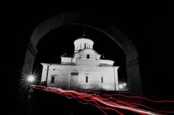 more-greece-light-black-and-white-architecture-white-night-photography-easter-greece-cyclades