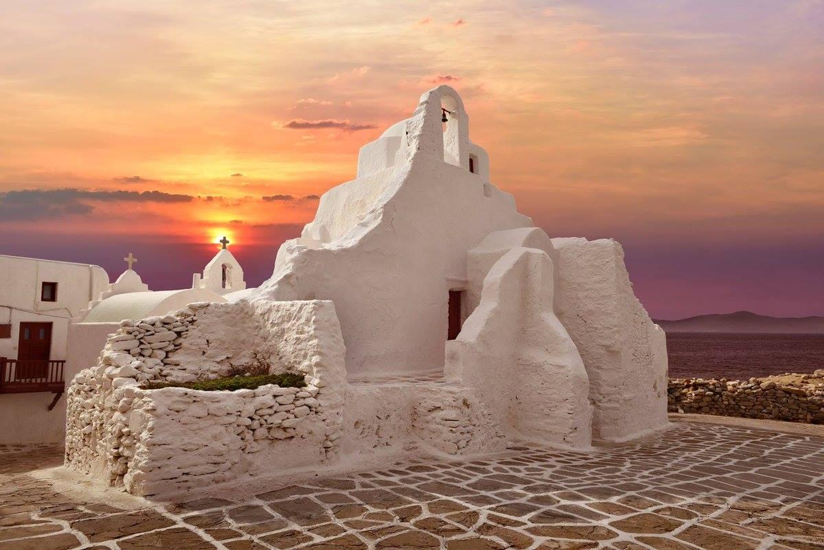 more-greece-mykonos-easter-pascha-paraportiani