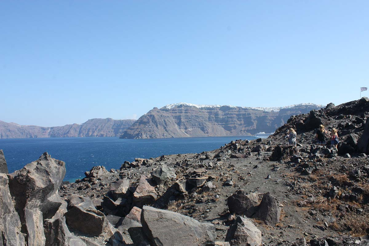 Σαντορίνη Θηρασιά,  Thirasia, the antipode of Santorini